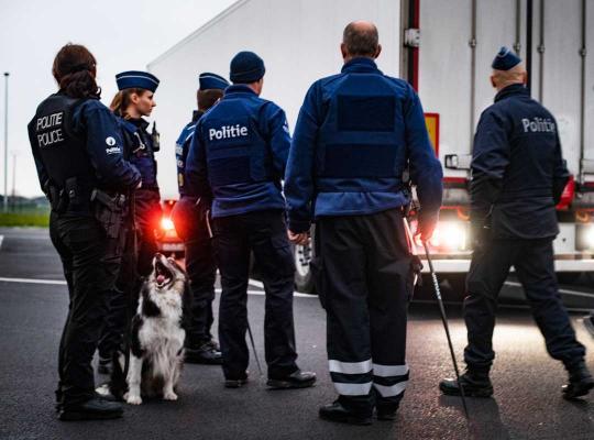 Gerichte politieactie rond transmigranten.